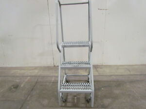 30 h 3 Step Rolling Step Ladder 16 Wide Steps