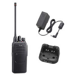 Icom F2000 Uhf 450 512 16 Ch Business Radio Battery Charger Antenna Waterproof