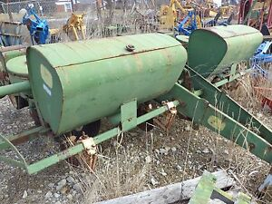 John Deere 494 Four Row Corn Planter Is A Two Disc Planter Great For Food Plat