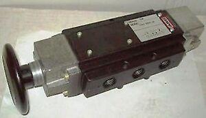 Ingersoll rand Aro 1 2 4 Way Pneumatic Palm Button Air Valve 5541 0200 04