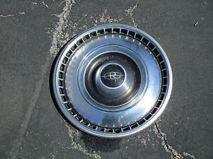 One Genuine 1967 Buick Riviera Hubcap Wheel Cover