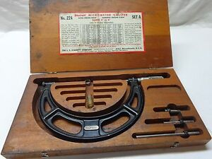 Starrett Micrometer Caliper 224 Set A 2 6 W wood Case Good Cond a shelf 03