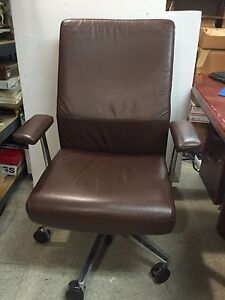 Siento Mid back Executive Chair In Leather By Steelcase Brown Msrp 1 679 00