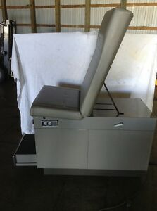 Medical exam table in stock jm builder supply and for Abco salon supplies