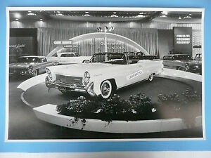 12 By 18 Black White Picture 1958 Lincoln Cosmopolitan Conv T In Show Room