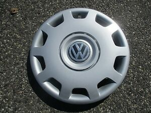 One Genuine 1998 To 2001 Volkswagen Vw Passat 15 Inch Hubcap Wheel Cover