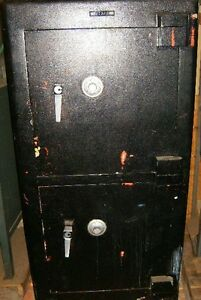 Chubb 2 door Burgler Fire Safe With Timer