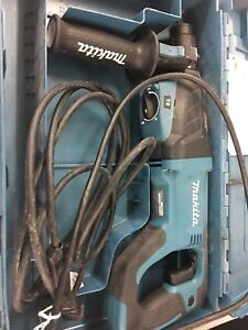 Makita Hr2641x1 Sds plus 3 mode Variable Speed Avt Rotary Hammer With Case An