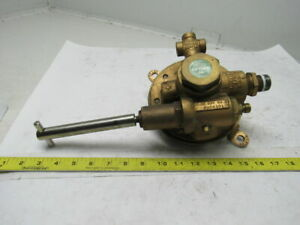 Union Carbide 2028301 L tec R 52 10m 80 1 High Capacity Oxygen Regulator 350 Psi