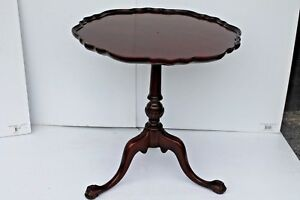 1940 S Carved Mahogany Piecrust Chippendale Style Side Table