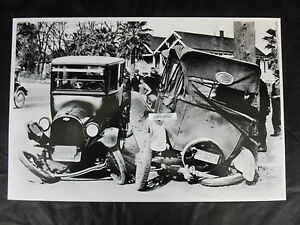 12 By 18 Black White Picture Famous Chevy Ford Wreck In 1922