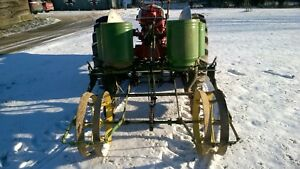 John Deere 246 247 Two Row Planter