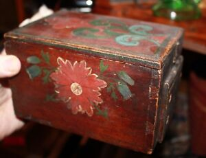 18th Century Wood Polychromed Whimsical Floral Spruce Brides Box In Euro Design