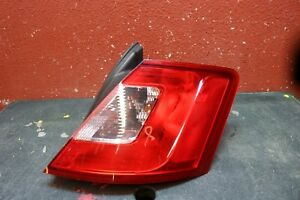 2010 2011 2012 Ford Taurus Right Tail Light