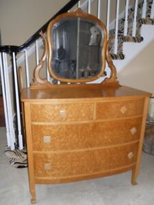 Antique Birdseye Maple Princess Serpentine Dresser W Oval Mirror