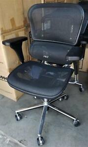 One Raynor Ergohuman Mesh Office Chair Me8erglo 30 Available
