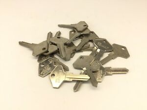 Lot Of 19 Taylor Key Blanks X122 Fits Renault Dodge Eagle