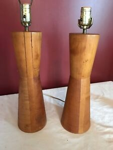 Pair 1960s Mid Century Modern Mcm Turned Wood Bowtie Lamps 28 Tall Unique
