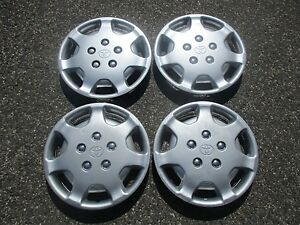 Genuine 1992 To 1994 Toyota Camry 14 Inch Hubcaps Wheel Covers