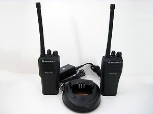 Motorola Radius Cp200 4ch 2 Way Walky Talky Radios With Charger Aah50kdc9aa1an