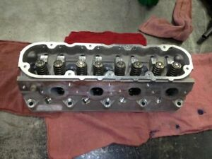 98 Chevy Camaro Cylinder Head 8 350 5 7l Only 5000 Miles 818466