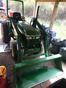 John Deere 790 Compact Tractor 4x4 With Loader
