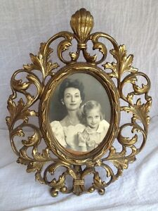Antique Heavy Ornate Scroll Leaves Oval Vtg Picture Frame Brass W Easel Stand