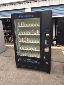 Very Nice Dixie Narco Bevmax Dn 5800 Automatic Drink Vending Machine With Arm