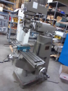 Supermax Yc 1 1 2 Dc 1982 Vertical Mill 42 Table 3900