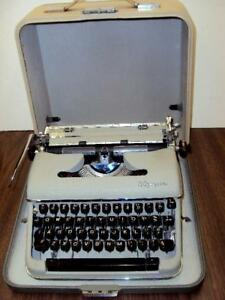 Refurbished Olympia s Manual Portable Typewriter W case amazing Condition