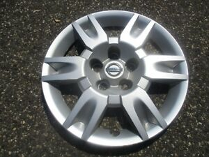 One Genuine 2005 To 2006 Nissan Altima 16 Inch Bolt On Hubcap Wheel Cover
