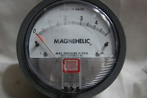 Dwyer Magnehelic Differential Pressure Gauge 0 5