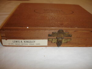 Kingsley Stamp Machine 14 Point News Gothic Cond Type Set Capitals