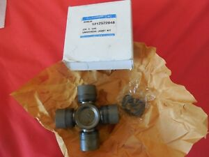 Nos Gm 12522048 Rear Drive Shaft Universal Joint Kit