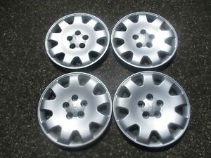 Genuine 1999 To 2004 Honda Odyssey 16 Inch Bolt On Hubcaps Wheel Covers Set