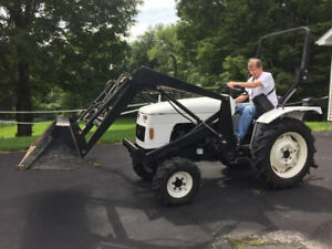 2002 Dongfeng 25 Hp Tractor 4wd Loader Tractor 3 Cyl Diesel Only 267 Hours