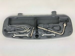 00 05 Bmw 330ci E46 Cabrio Emergency Trunk Tool Kit Box Oem A4