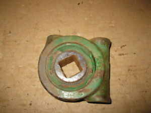 1 John Deere Disk Harrow Bearing Cage B13404b Aw More 1