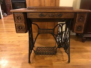 Antique 1910 Singer Sewing Machine Table With Cast Iron Legs Model 27