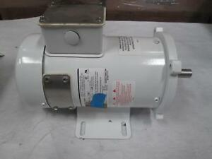 Dayton 1f652a 1 3 Hp Dc Washdown Motor Permanent Magnet With Gear Frame 56c