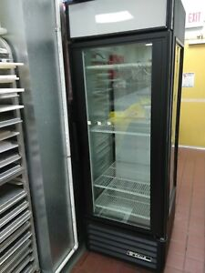 Commercial True Glass End Merchandiser Gem 23 Hc Tsl01 Refridgerator Display