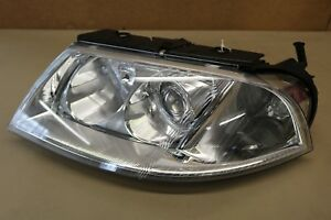 2001 2002 2003 2004 2005 Volkswagen Passat Left Headlight