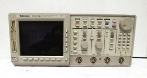 Tektronix Tds754c Oscilloscope 4 channel 500 Mhz 2 Gsa s