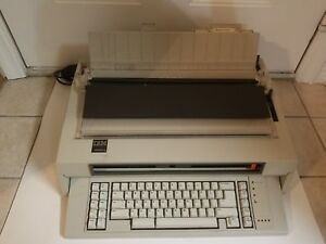 Ibm Wheelwriter 5 Electric Typewriter Wordprocessor