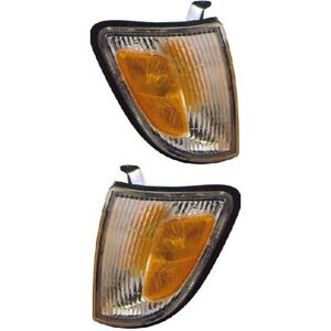 Corner Parking Marker Signal Directional Light Pair Set For 97 00 Tacoma 2wd