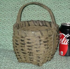 Antique Style Grey Brown Paint Berry Egg Basket Splint Handle Old Style Cat Head