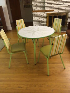 Vintage Retro Dinette Set Patterned Top Table Chairs Set