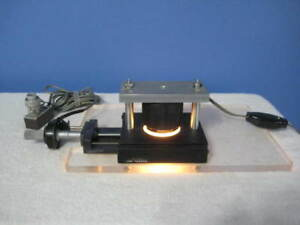 Daedal Inc Linear Positioning Stage W Micrometer Lighted Table
