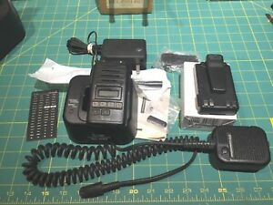 Icom Ic f60 Uhf 450 512 Mhz 4 Watt 128 Ch With Charger New Batt And Mic