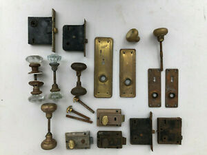Lot Of 4 Vintage Molded Glass And Brass Door Knobs With Hardware Iron Antique